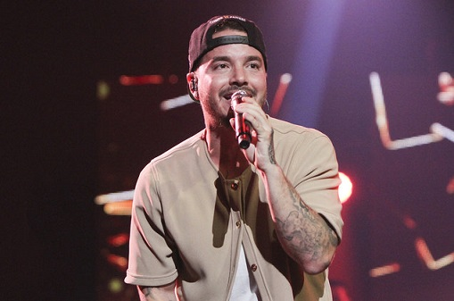 j-balvin-performance-08-billboard-1548